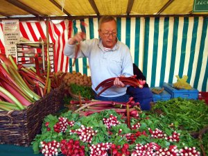 rhubarb and radish marché richard lenoir bastille paris summery blog