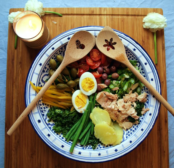 massaged kale nicoise